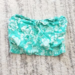 Hollister Co. stretchy bandeau tropical top